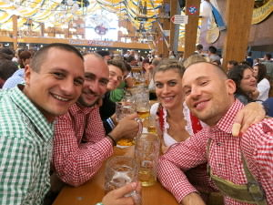Wiesn - in the tent Bräurosl